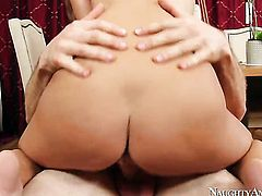 Presley Hart gets rammed good and hard by Jordan Ashs rock solid sausage