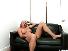 Blonde Deadra Dee is a cumshot addict