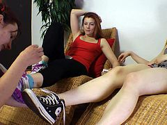 Foot slave sniff & lick mistress feet