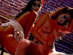 Nikki Rhodes groans in lesbian sexual ecstasy with Alexis Amore
