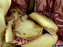 Bodacious hottie Kelly Wells loves to wear high heels during sex
