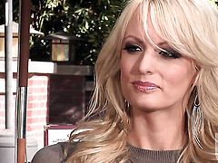 Stormy Daniels enjoys guys thick erect snake in her warm mouth