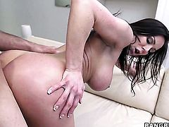 Kendra Lust with bubbly butt beating dudes meat