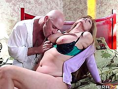 Johnny Sins shows nice sex tricks to Darla Crane with big tits with the help of his sturdy love stick