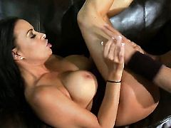 Vanilla Deville wants this blowjob session with horny fuck buddy to last forever