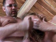Devon Lee shows off her sexy body as she gets her mouth banged