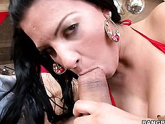 Marilyn Scott with phat bottom loves the way her sex partner moves his fuck stick up and down betwee