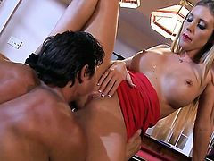 Samantha Saint gets heavily fucked in her mouth by lucky man