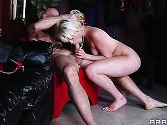 Johnny Sins is penetrating a blonde