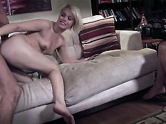 Ash Hollywood is good on her way to satisfy her bang buddy with her sweet mouth