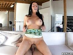 Brunette Vanilla DeVille with juicy ass enjoys the warmth of dudes hard sausage in her hands