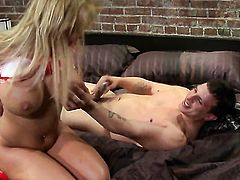 Shyla Stylez has some dirty fantasies to be fulfilled in cumshot action