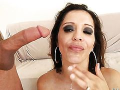 Bruce Venture loves sex obsessed Chad Whites amazing body and bangs her mouth as hard as possible