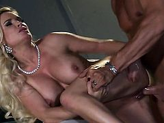 Diamond Foxxx gets heavily fucked in her mouth by lucky man