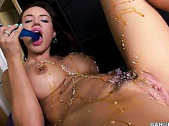 Franceska Jaimes is masturbating in this video