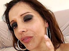 Hot chick is cumshot in the face