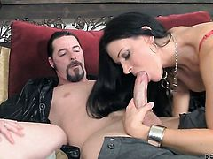 Fuck crazed sex kitten India Summer sucks like a sex crazed animal in steamy oral action with Jack Vegas