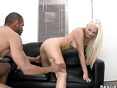 A blow job with cum in face