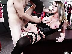 Brooklyn Chase loves getting her cunt nailed by Danny D