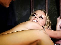 Blonde Vanda Lust and horny bang buddy have vigorous sex