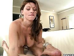 Brunette Lisa with giant knockers and clean twat takes the pop shot of her dreams