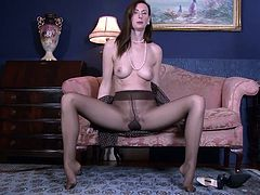 Lara Latex British Milf Pantyhose