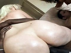 Blonde with phat bottom and clean twat posing for you to enjoy in solo scene