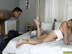 Blonde Renato shows her love for giving handjob