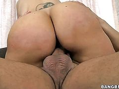 Brunette with bubbly bottom has a good time playing with cum loaded dick