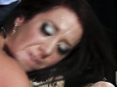 Jayden Jaymes is in the mood for schlong sucking
