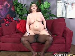 PAWG Felicia Clover is here to drain Lexington Steele's big black cock. Those tits? Drenched in oil. That big ass? You guessed it....drenched in oil.