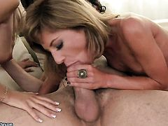 Blonde gets the mouth fuck of her dreams with hot dude