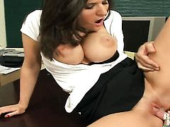 Brunette Josh does oral job for hard cocked bang buddy to enjoy