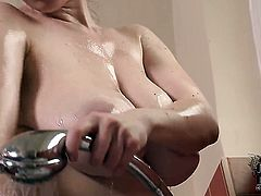 With juicy knockers and clean pussy shows it all for camera