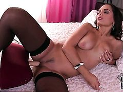 Eve Angel needs nothing but a sex toy in her muff pie to get orgasm