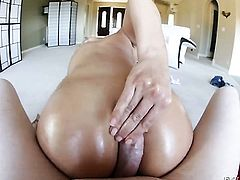 Rachel Starr gets wildly fucked in her mouth by lucky man