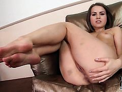 Sexy goddess with tiny breasts and bald twat cant live a day without playing with her snatch