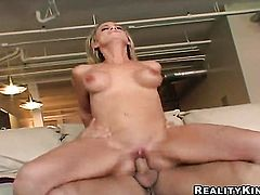 Blonde loves to blow and cant say No to hot guy