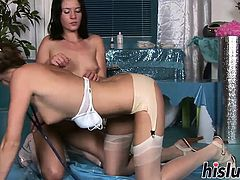 Two raunchy stunners have some lesbian fun