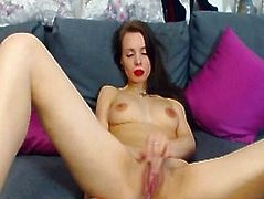 Hot Dilettante Cutie Solo Masturbation