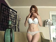Beautiful woman Penny Pax cant stop dildoing her vagina