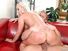 Blonde Denis Reed is on the way to the height of pleasure with her mans snake in her mouth
