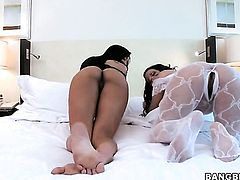 Brunette latin tramp Lisa Lee is horny as hell and fucks with wild enthusiasm