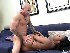Barry Scott cant resist mans hard dick in interracial sex action