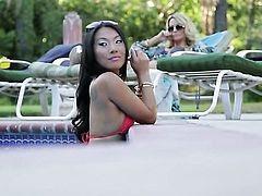 Asa Akira tries her hardest to make hard dicked guy bust a nut with her mouth