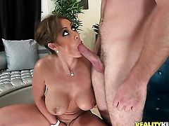 Brunette with phat ass and clean cunt sucks like it aint no thing in blowjob action with hot blooded guy