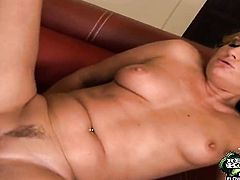Blonde Justin Long with bubbly booty and hairless snatch getting hardcored