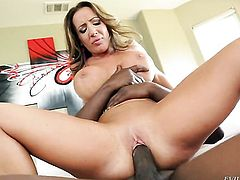 Lustful gal Richelle Ryan gets a pussy stuffing in interracial sex action with hot guy