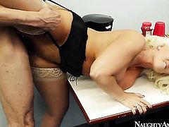 Blonde with big butt and shaved cunt has some dirty fantasies to be fulfilled in cumshot action