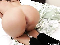 Brunette senorita Giselle Leon with tiny butt and hairless muff lets man bang her hands hard with his nice cock